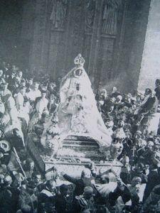 Coronación Virgen de los Reyes en 1904. Foto-ABC