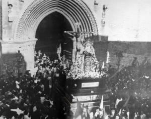 La Hiniesta saliendo de Santa Marina en 1.936 | Foto extraída del blog Galeón de Julio Domínguez Arjona