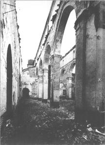 Nave del Evangelio de Santa Marina tras el incendio de 1936
