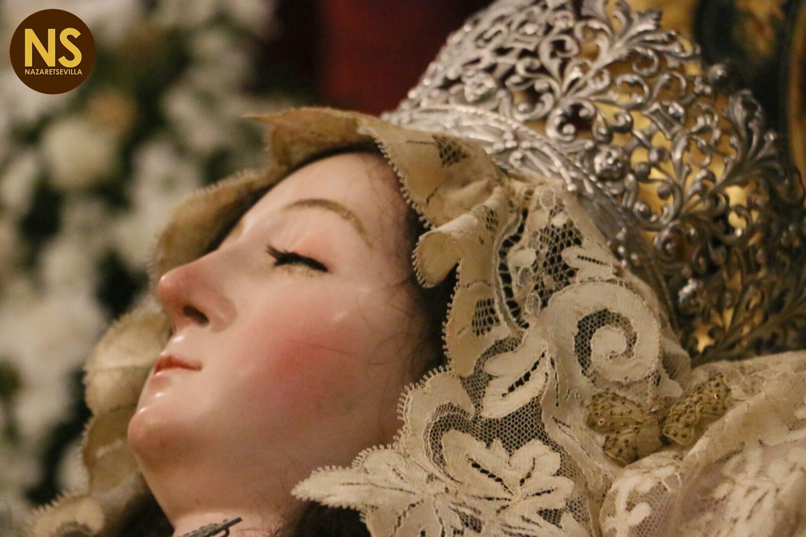 Los besamanos del puente del 'Día de la Virgen'