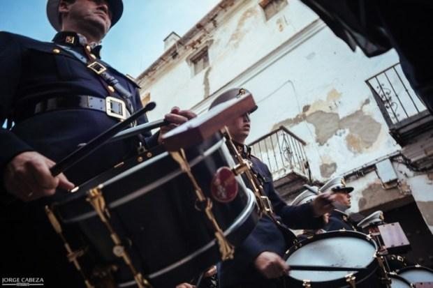 La batería del Rosario de Cádiz durante la salida extraordinaria del Señor de la Misericordia de Sanlúcar de Barrameda. / Jorge Cabeza.
