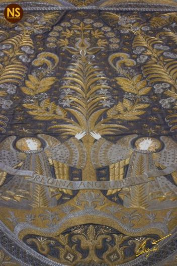 Imagen, tras la restauración, del manto de salida de la virgen de los Ángeles. / José Carlos Casquet.