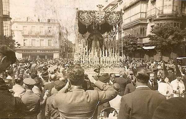 1937 y el inicio de la recuperación de la Semana Santa hispalense