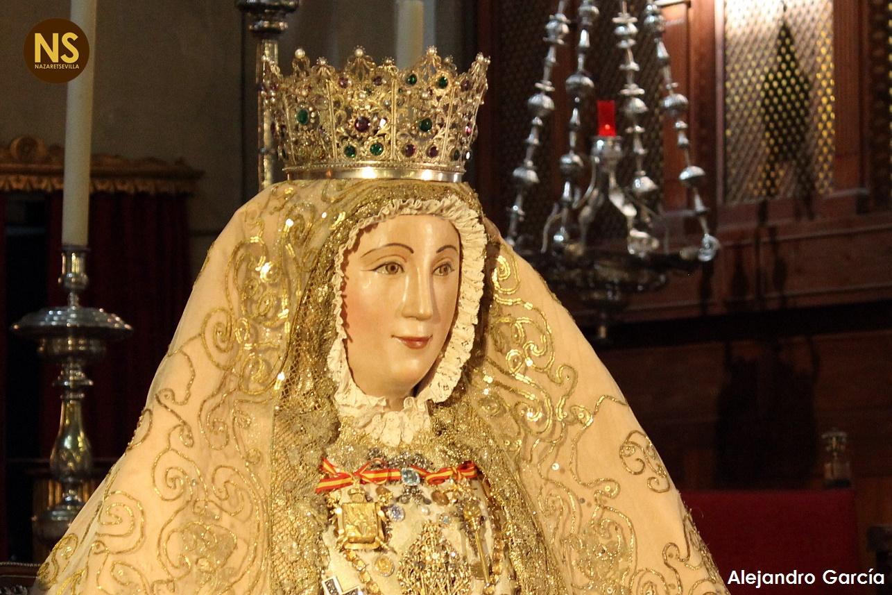 Comienza el segundo besamanos en honor a la virgen de los Reyes